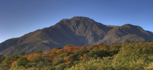 Intensa actividad OVNI sobre los paisajes del Cerro Uritorco