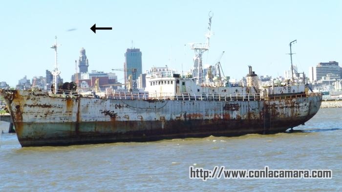 Ovni sobre el Puerto de Montevideo, Uruguay.
