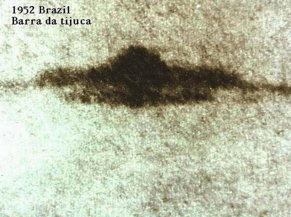 [1952-May-7-Barra-da-Tijuca-Brazil-UFO.jpg]